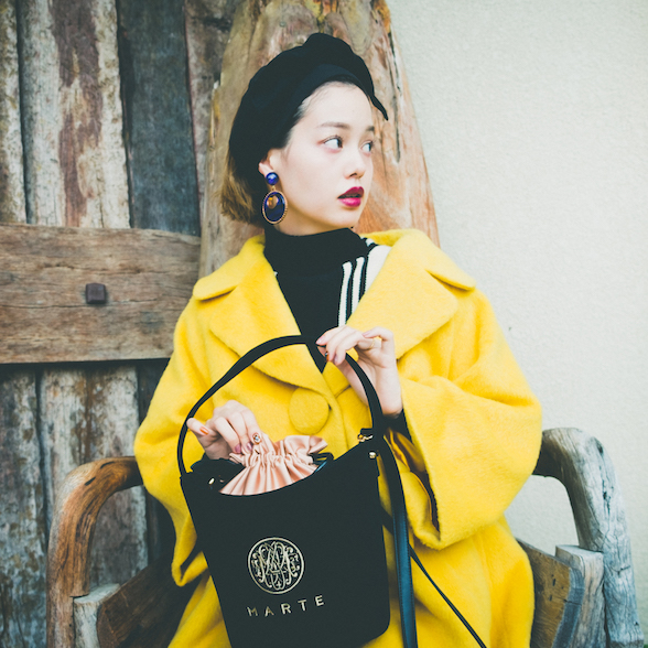 Yellow×Monotone Retro Modern
